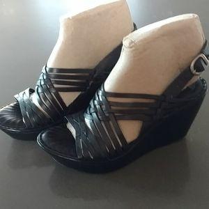 Born Black Sandal